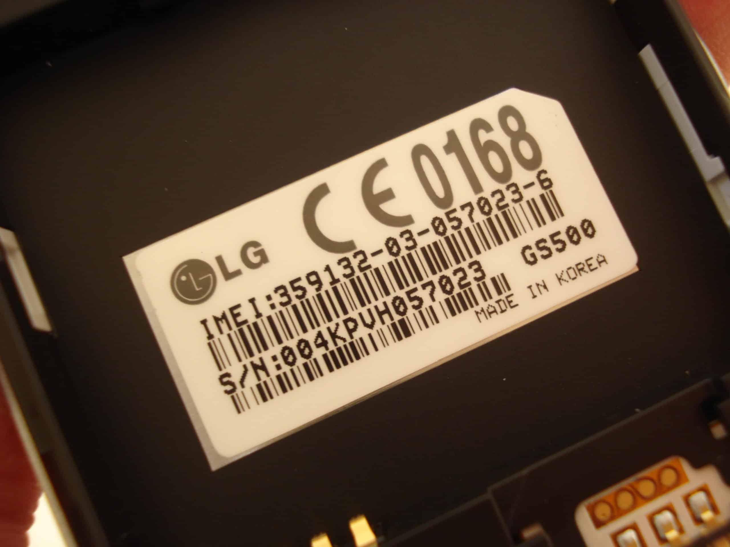 Jika-Anda-sudah-berhasil-melepaskan-baterai-dari-perangkat-maka-nomor-IMEI