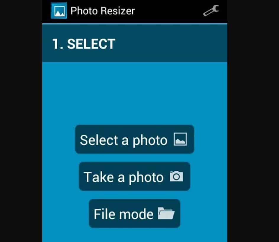 Lalu buka aplikasinya, dan tap menu pilih foto untuk menambahkan foto yang akan dikompres.