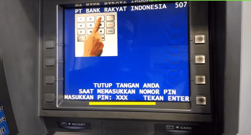 Lalu-masukkan-PIN-dari-kartu-ATM-Anda.-Pada-saat-mengetik