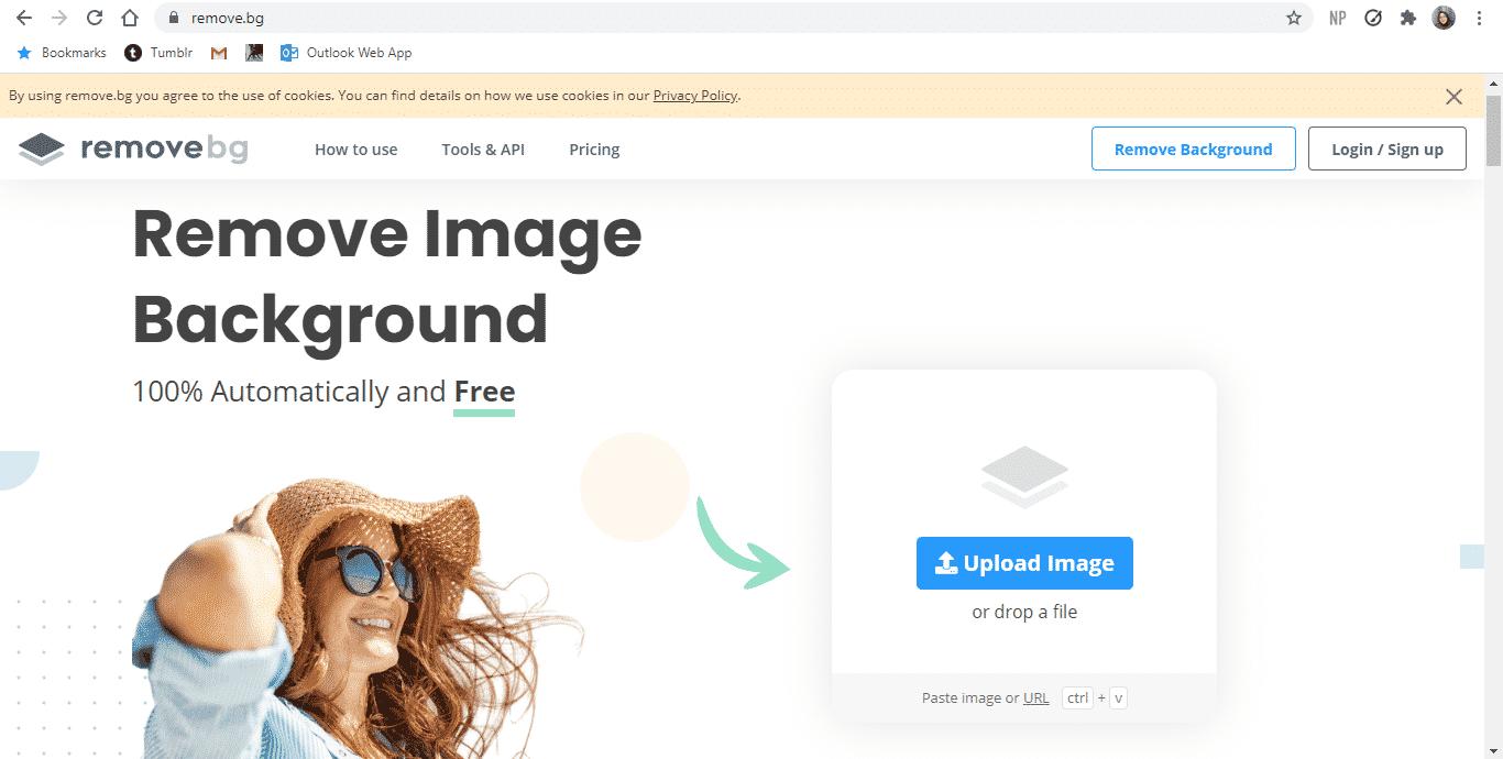 Buka-situs-Remove.bg-melalui-browser.-Disarankan-menggunakan-PC-agar-proses-penggantian-latar-belakang-bisa-berjalan-dengan-cepat.