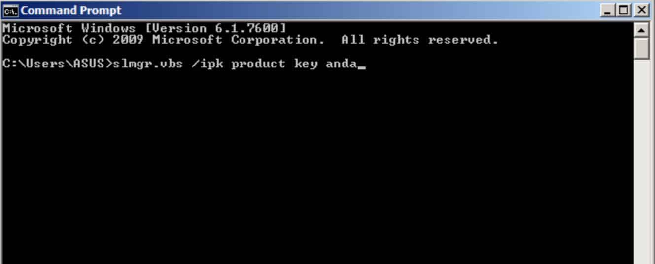 Apabila-jendela-command-prompt-sudah-muncul-Anda-dapat-mengetikkan-slmgr-vbs-ipk-product-key-Anda